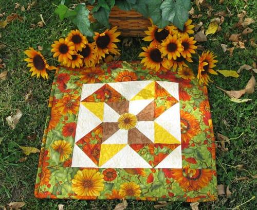 Sunflower Table Runner with Daisys - conniekresin.com