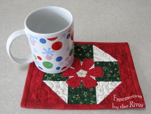 Fast and Easy Christmas Mug Rug Tutorial