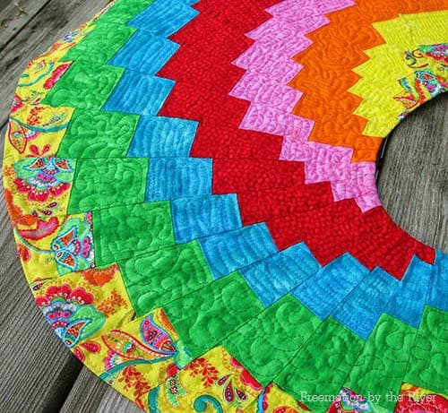 Closeup of quilting on Spicy Spiral table runner