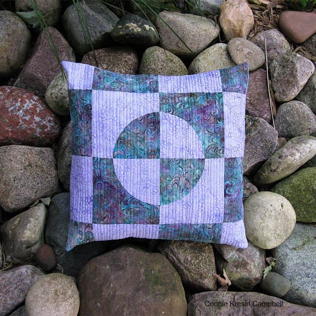 Easy Drunkard's Path Quilted Pillow
