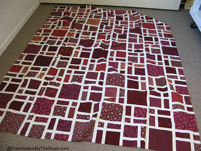Red Scattered quilt UFO